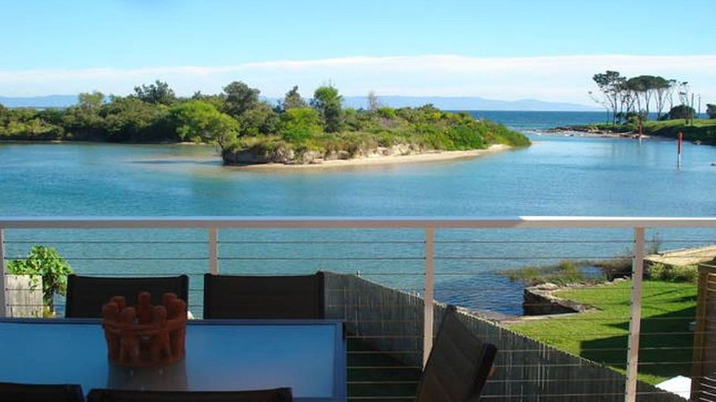 Shore Thing Absolute Waterfront - Currarong. Luxury, family friendly beach house, casa vacanza a Currarong