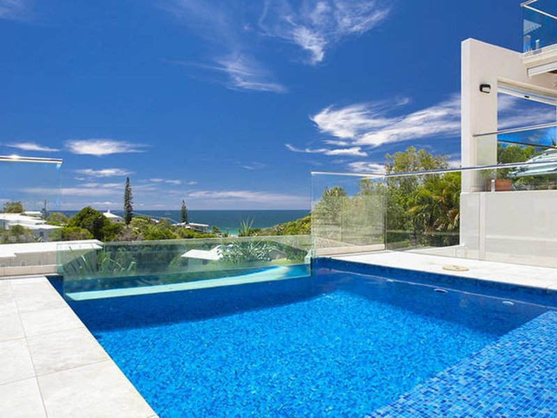 SevenSurfside at Sunshine Beach, only 250 metres from the beach., alquiler vacacional en Noosa