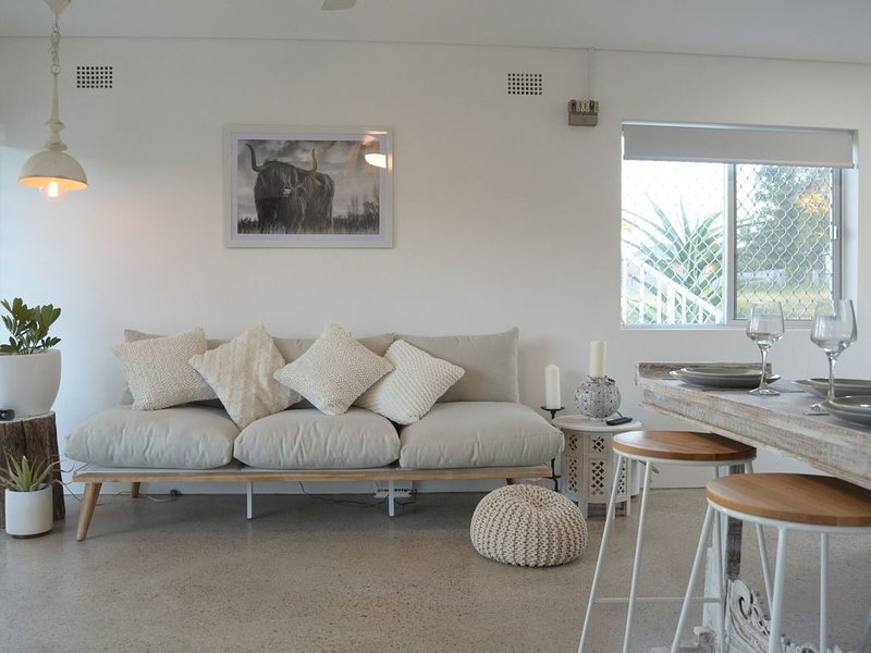 SALT by the Sea - Unit 1, holiday rental in Port Macquarie