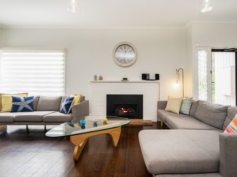 RYE Classic - amazing location, a home away from home, Dog friendly, vacation rental in Rye