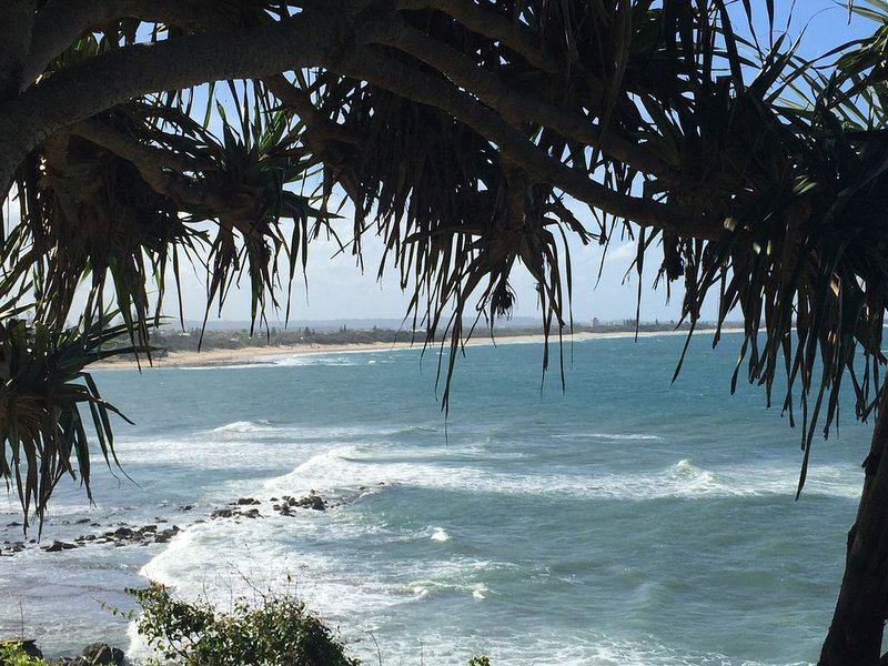 Estoril Unit 19 - Moffat Beach Headland, vacation rental in Caloundra