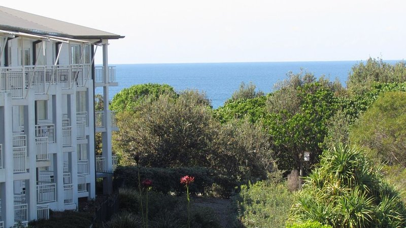 OCEANSIDE APARTMENT. Bottle of wine on arrival., location de vacances à Kingscliff