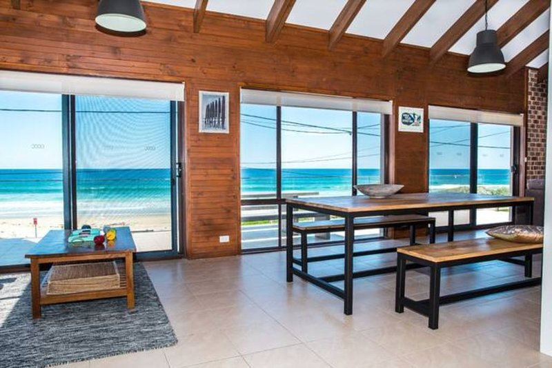 A Stones Throw at Mollymook Beach, vacation rental in Shoalhaven