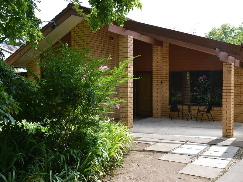 You will love this location for the tranquility and peace it offers while..., holiday rental in Bright