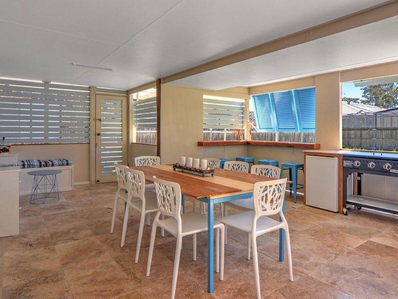 Callala Pine beach cottage, holiday rental in Callala Bay