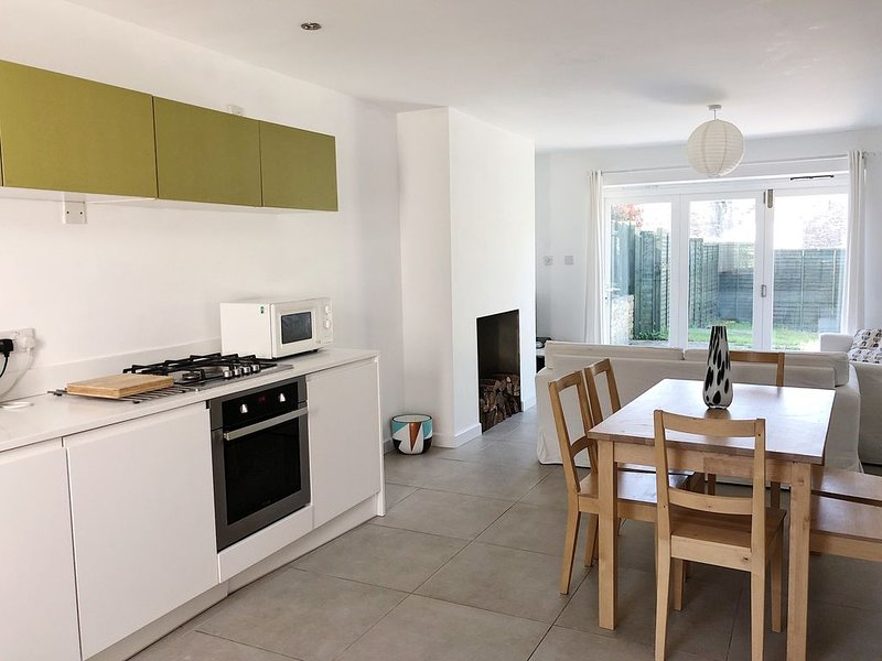 3 bedroom holiday cottage in swanage, holiday rental in Worth Matravers