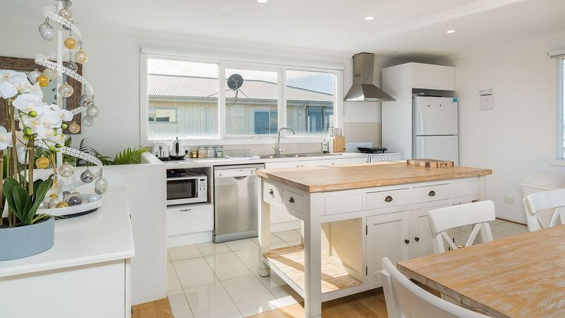 Licence to Chill - Surf Beach, VIC, vacation rental in Rhyll