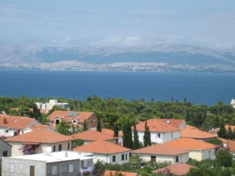 Modern apartment with a stunning panoramic sea view, holiday rental in Supetar