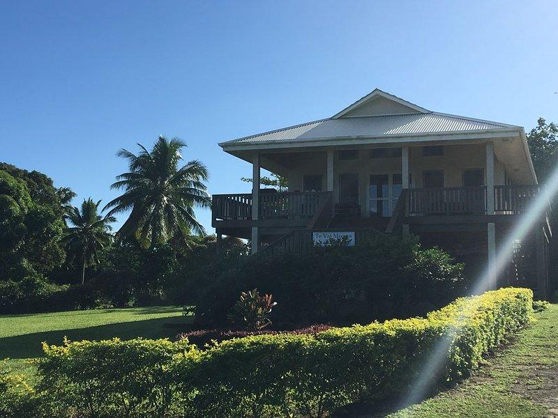 Beautiful 2 bedroom Polynesian luxury villa, vacation rental in Cook Islands