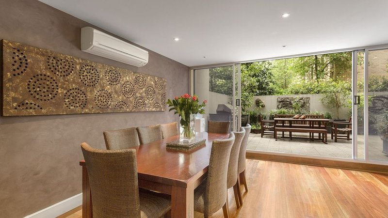 CBD Indigo Lofts - Melb city apartment min 2 night, holiday rental in Melbourne