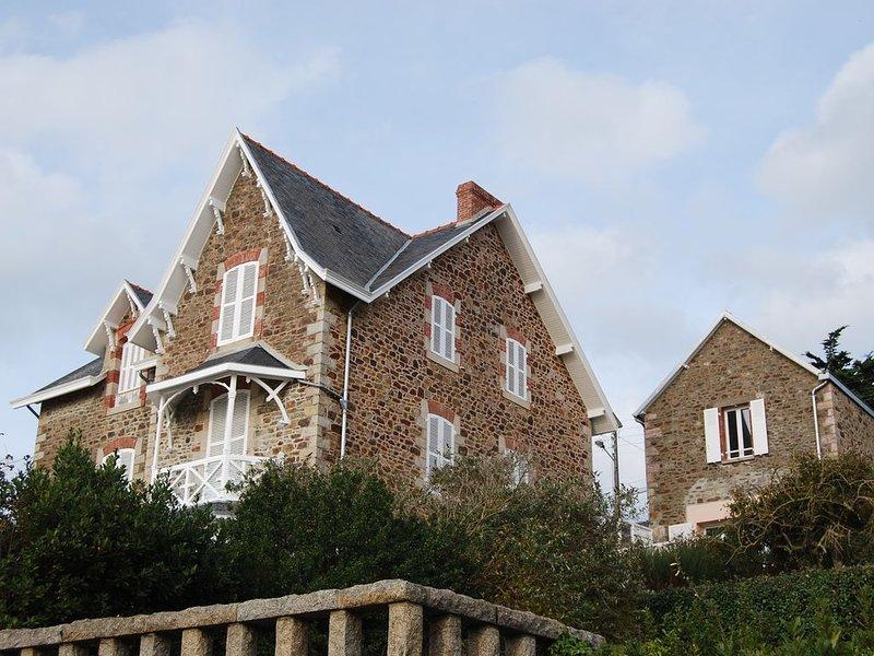 Charmante villa récemment restaurée, aluguéis de temporada em Pleneuf-Val-Andre