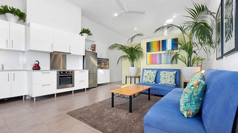 Spacious Boutique Apartment, beside beach, holiday rental in Peregian Beach