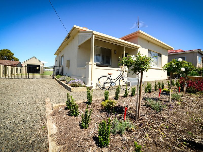 The Mulberry Tree - Kingscote - Kangaroo Island Holiday Home, alquiler vacacional en Kingscote