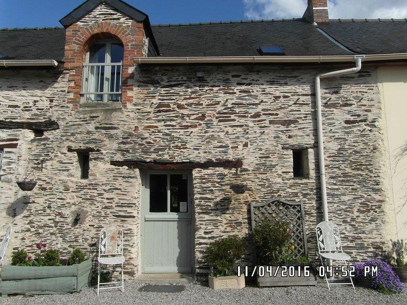 The Cottage- Rural Gite, - Three bedroom house near Chateaubriant, location de vacances à Pouance