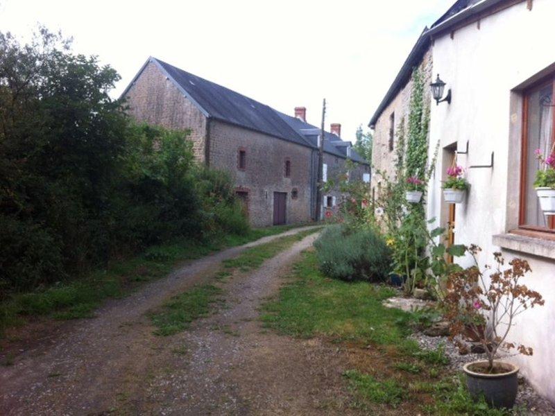 Gite in secluded setting, casa vacanza a Saint-Sauveur-le-Vicomte