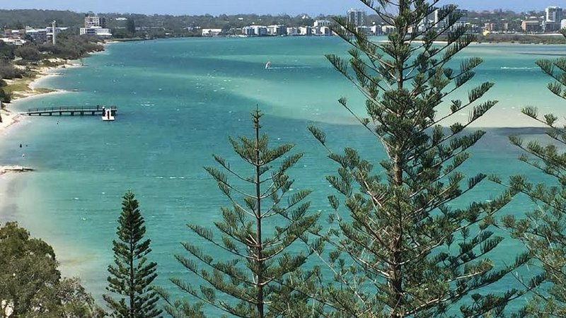 Just Perfect -seaside escape, vacation rental in Caloundra