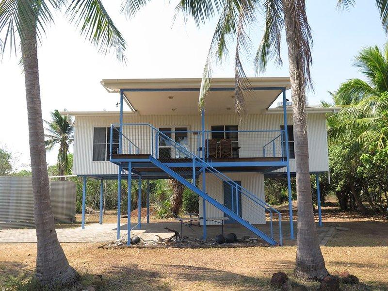Driftwood  Beachfront Getaway, sleeps 8 comfortably, fully air conditioned, alquiler vacacional en Territorio del Norte