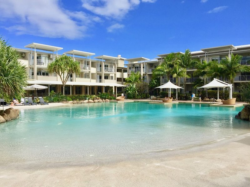 BEACHFRONT LUXURY RESORT APARTMENT, location de vacances à Kingscliff