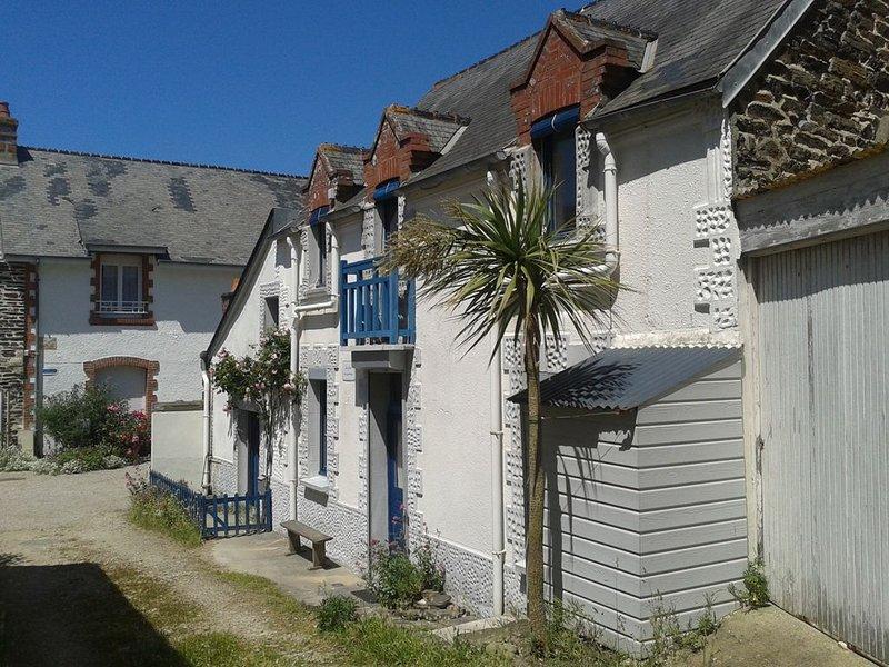 Maison de pêcheurs traditionnelle du Cotentin à 5 minutes de la mer à pied, aluguéis de temporada em St. Helier