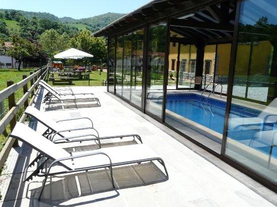 Apartamentos El Castañeu para 4 personas, holiday rental in Soto de Cangas