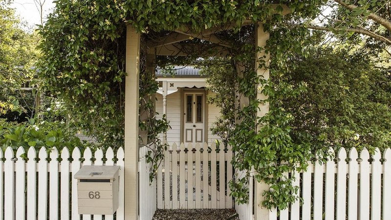 Circa 1890 Berry - Holiday Cottage Central Location Pet Friendly, holiday rental in Berry