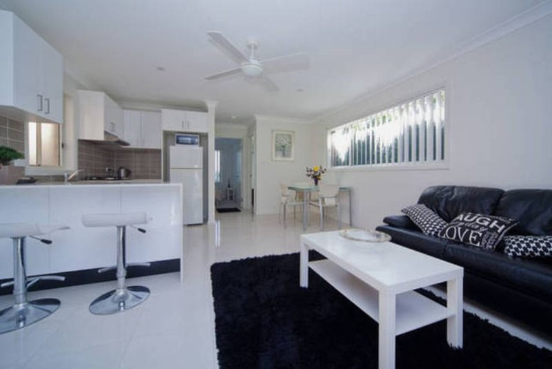 Stylish and new guesthouse 'Lakeview' Warriewood - Mona Vale, location de vacances à Mona Vale