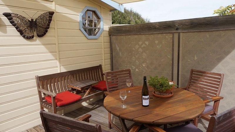 Aluna Getaway - quiet relaxing retreat, holiday rental in Kingscote