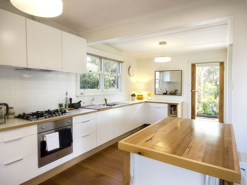 Quintessential Beach Shack with all the mod cons., vacation rental in Cape Schanck