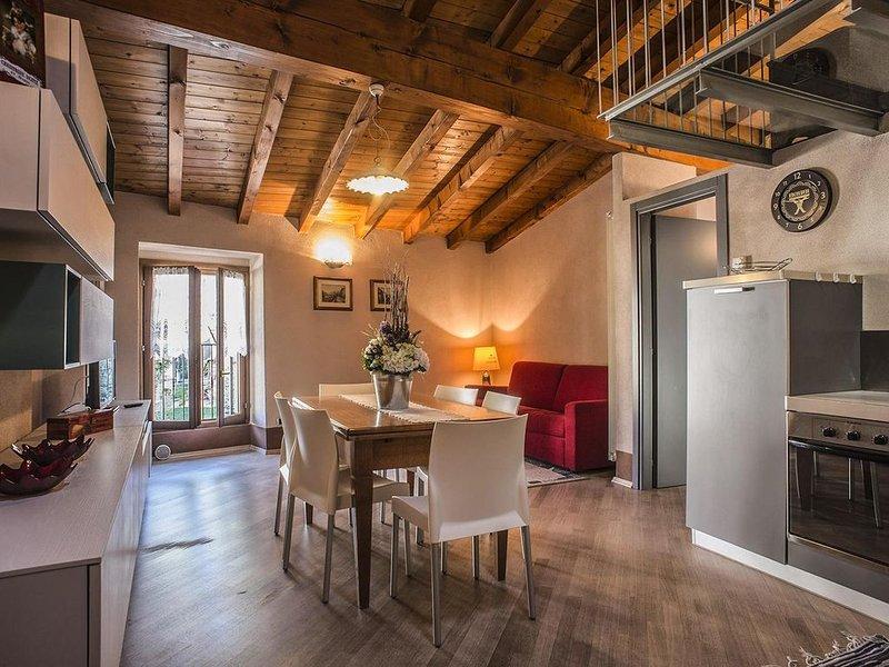 casa alessandra Appartamento tra monti e laghi, holiday rental in Zandobbio