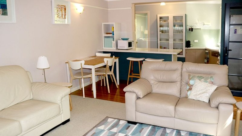 Ainslie Pet Friendly Apartment, holiday rental in Australian Capital Territory