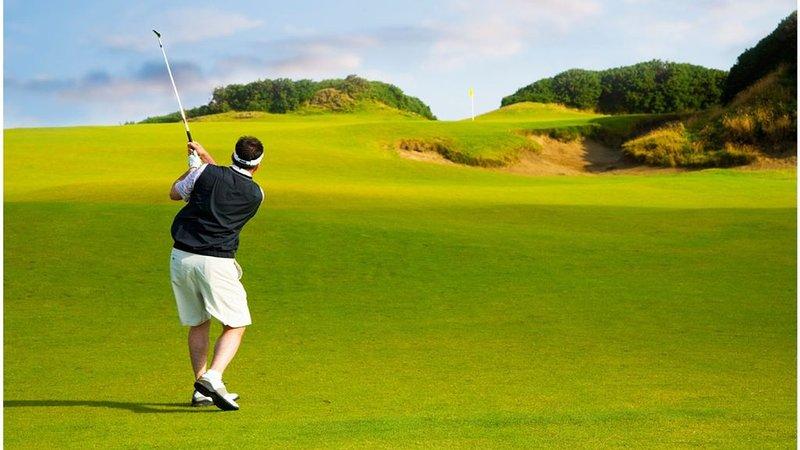 Casa le Telline in the Puntaldia Golf Club 700 meters from the sea, aluguéis de temporada em Puntaldia