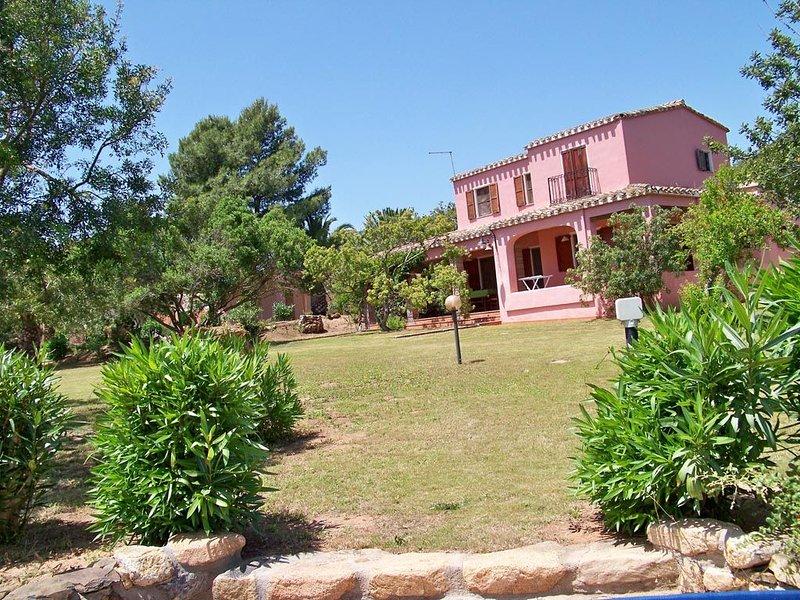 Villa Lentischi - 140  m², holiday rental in Villa San Pietro