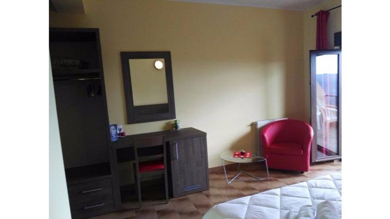 'Hotel Miramonti' Seulo - Tripla 2, vacation rental in Serri