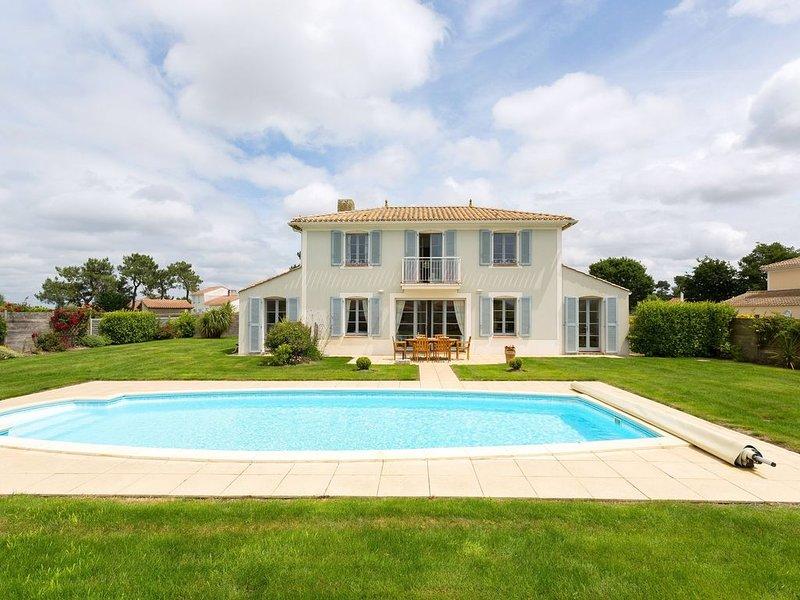 Jolie Villa au calme, avec piscine privée | sur le Terrain de Golf, location de vacances à L'Aiguillon-sur-Vie