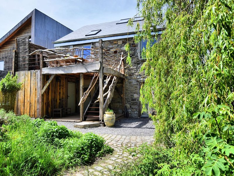 Beautiful, one-of-its-kind home with a sauna and unique, attractive decor, holiday rental in Barvaux