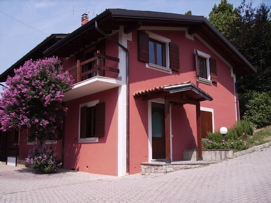 CASA VACANZA  L'ARNIA WIFI LAGO D(appartamento) OFFERTA, holiday rental in Peschiera Maraglio