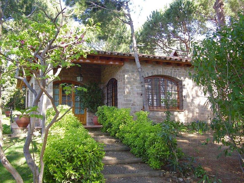 Casa en alquiler a 200 m de la playa en zona residencial, alquiler vacacional en Begur