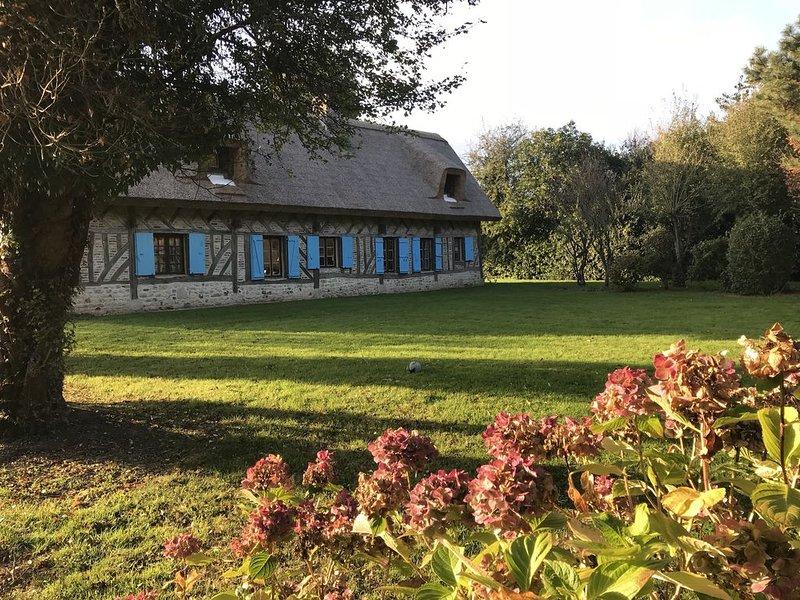 Chaumière pleine de charme proche Honfleur et Deauville, vacation rental in Pont-Audemer
