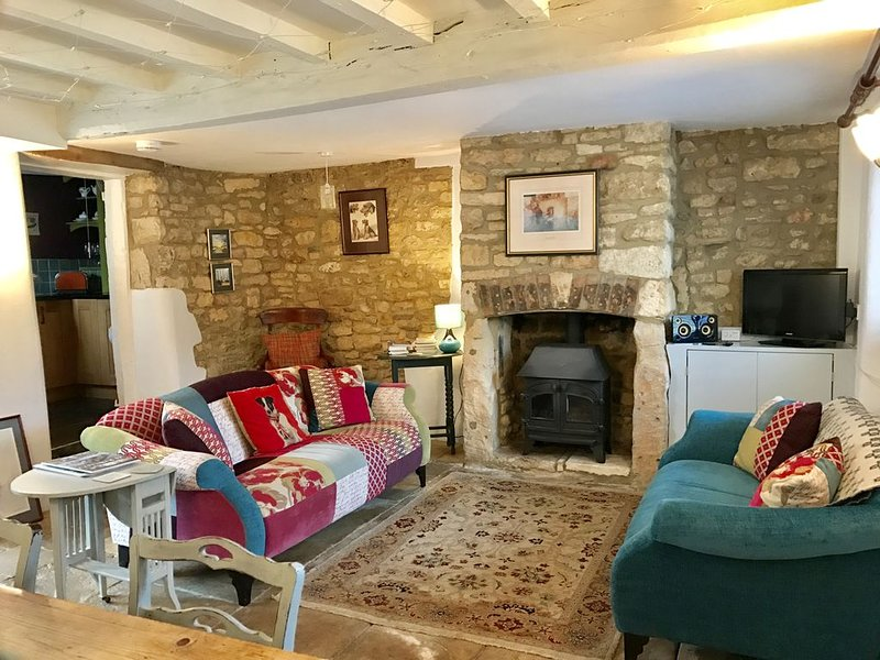 Traditional Cotswold Stone Cottage, Winchcombe, Cotswolds Way., alquiler vacacional en Gotherington