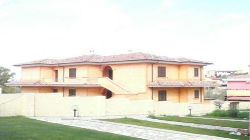 Villa Paradiso Apt Piano Terra, location de vacances à Lu Bagnu
