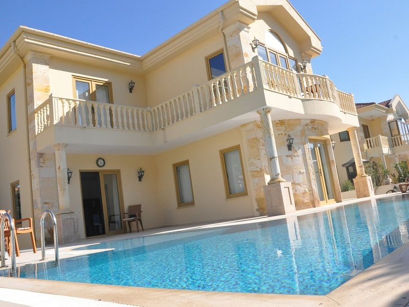 Villa With Private Pool, holiday rental in Dalyan
