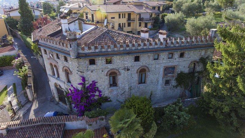 Casa Castello in centro a Salo, location de vacances à Salo