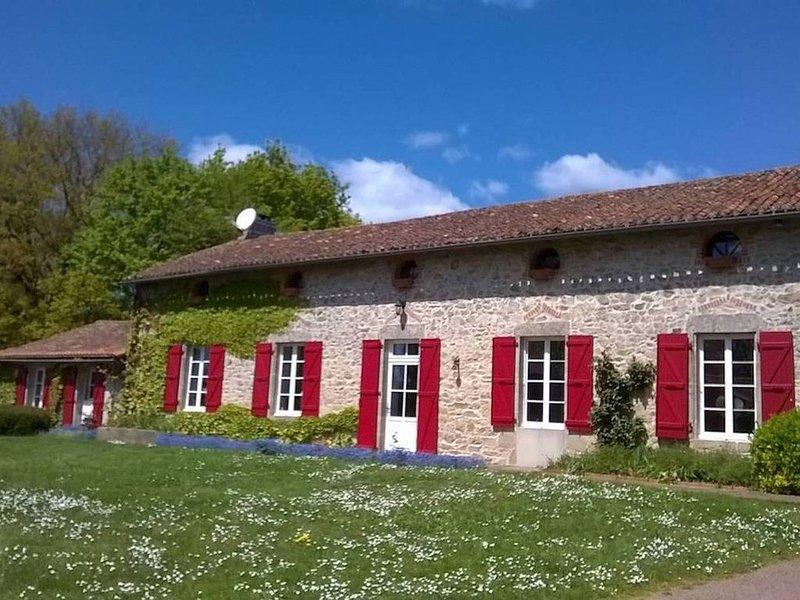 Puy du Fou - Les Guyonnières, holiday rental in Mauleon
