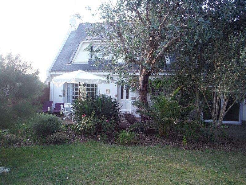 Maison de vos vacances - Saint Pierre Quiberon, à 2 pas de la côte sauvage, holiday rental in Saint-Pierre-Quiberon