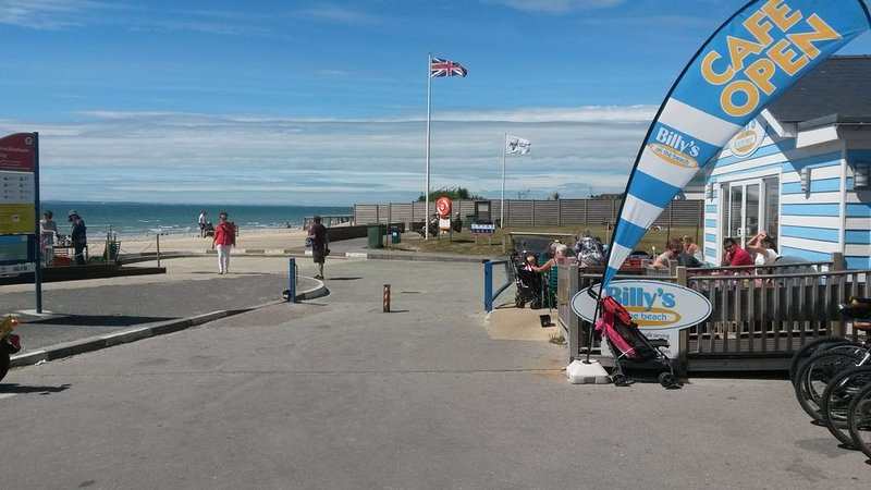 Billies on the Beach Cafe / Restaurants - 2 mins walk from Bay House