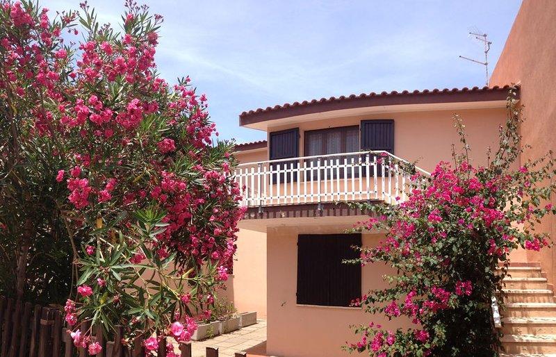 la Casa del Sole, Isola Rossa, Sardegna, holiday rental in Isola Rossa