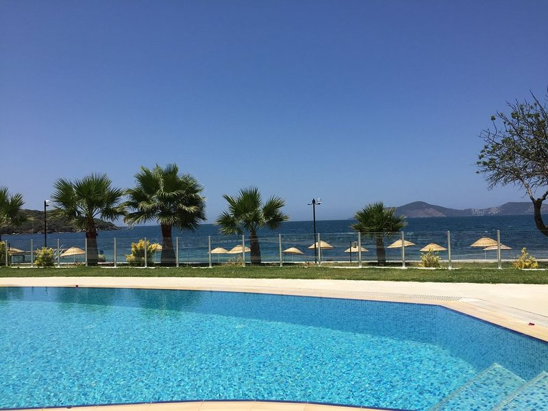 Luxury upgraded beach front villa! Extra sanitisation available, holiday rental in Milas