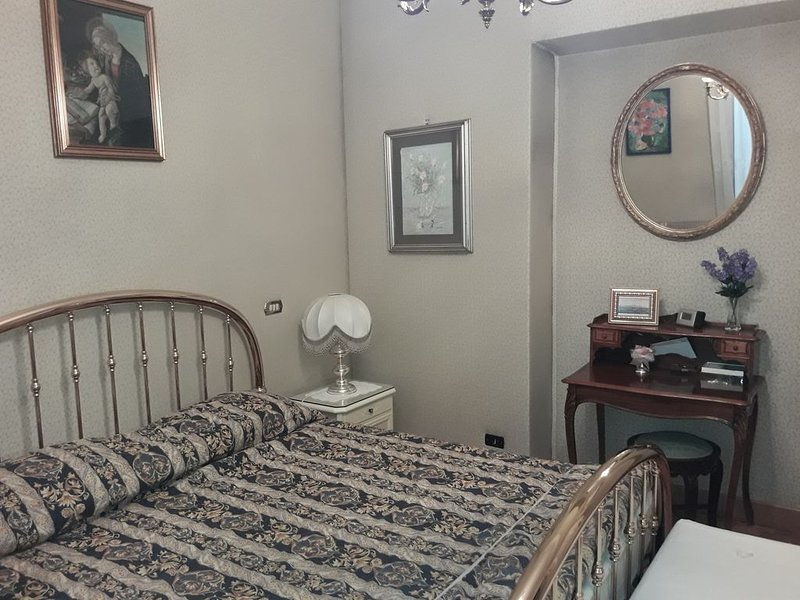 The Queen s coffer, appartamento in Roma quartiere Trieste/Salario, holiday rental in Ladispoli