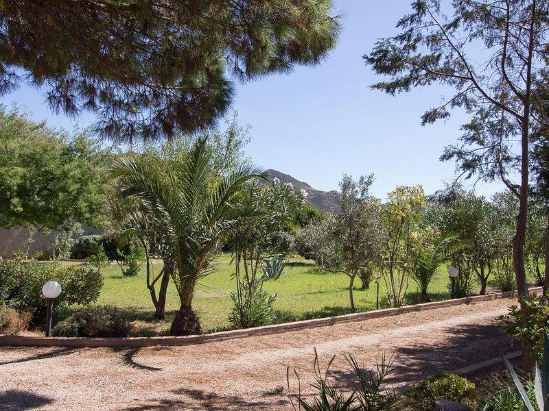 Villetta con giardino e piscina, casa vacanza a Gonnesa
