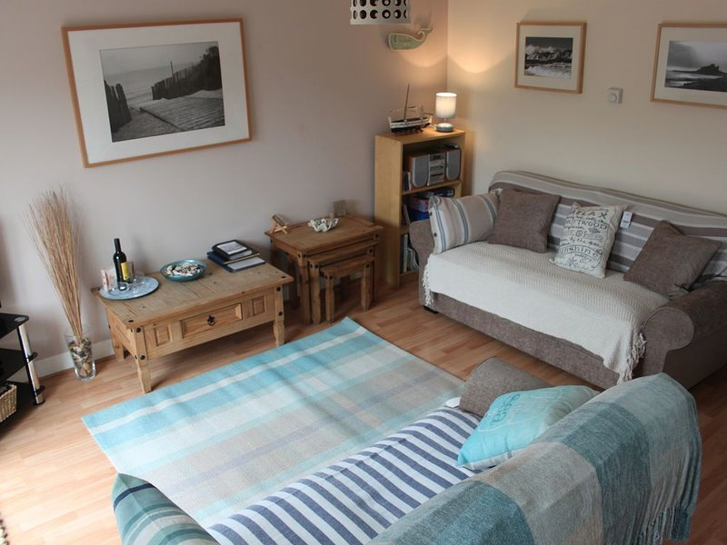Seaside House, ideally located on the edge of the coastal village of Seahouses, location de vacances à Seahouses